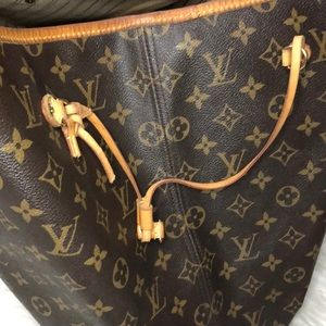 Louis Vuitton Bags - 🔥 Authentic Louis Vuitton Neverfull GM Monogram